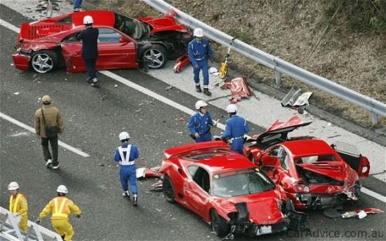ferrari_crash-4