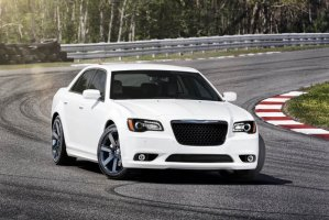 chrysler-300-srt8