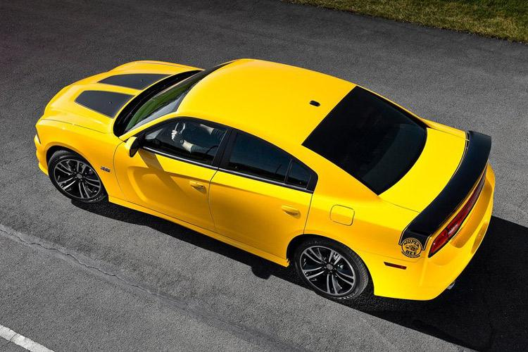 2012_dodge_charger_super_bee-3