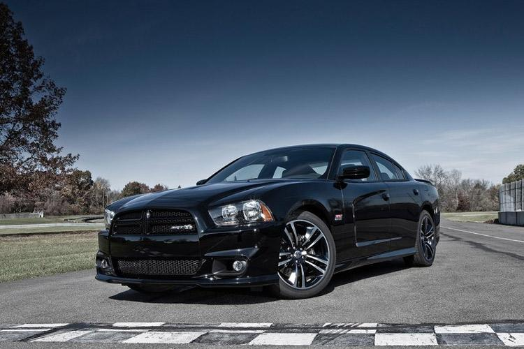 2012_dodge_charger_super_bee-5
