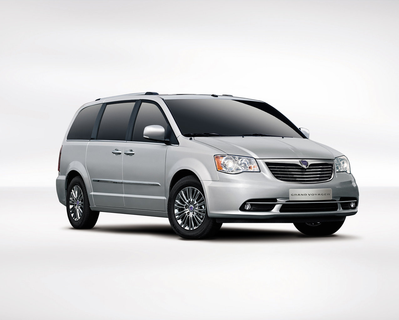 lancia-new-grand-voyager_1