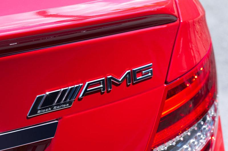 mercedes-benz-c-63-amg-coupe-black-series_9