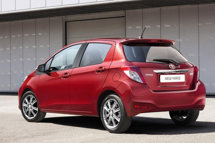 2011-toyota-yaris-new-pictures_03