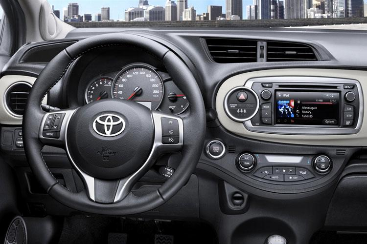 2011-toyota-yaris-new-pictures_04