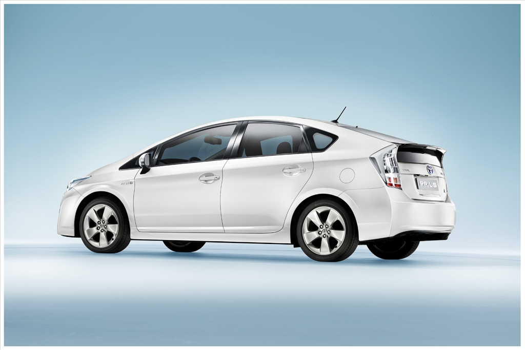 the attractive features of a prius 2016 toyota prius cars reviews toyota  it now features a new exhaust gas recirculation system,  gaining a much more attractive exterior design and a.