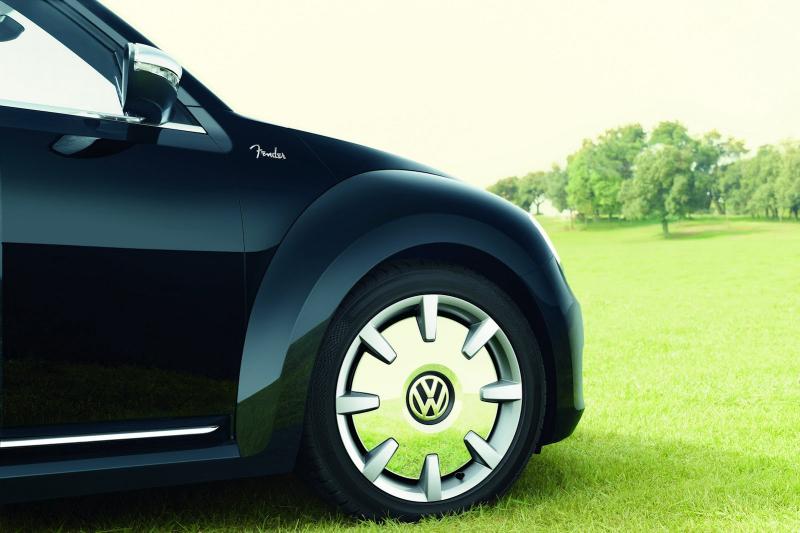 2013-vw-beetle-fender-edition-02