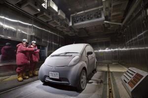 Picture 2011-Mitsubishi-i-MiEV