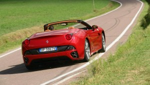 official photo Ferrari California HELE