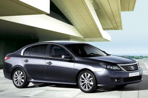 official photo 2011 renault latitude