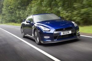 official photo 2011 nissan gt-r