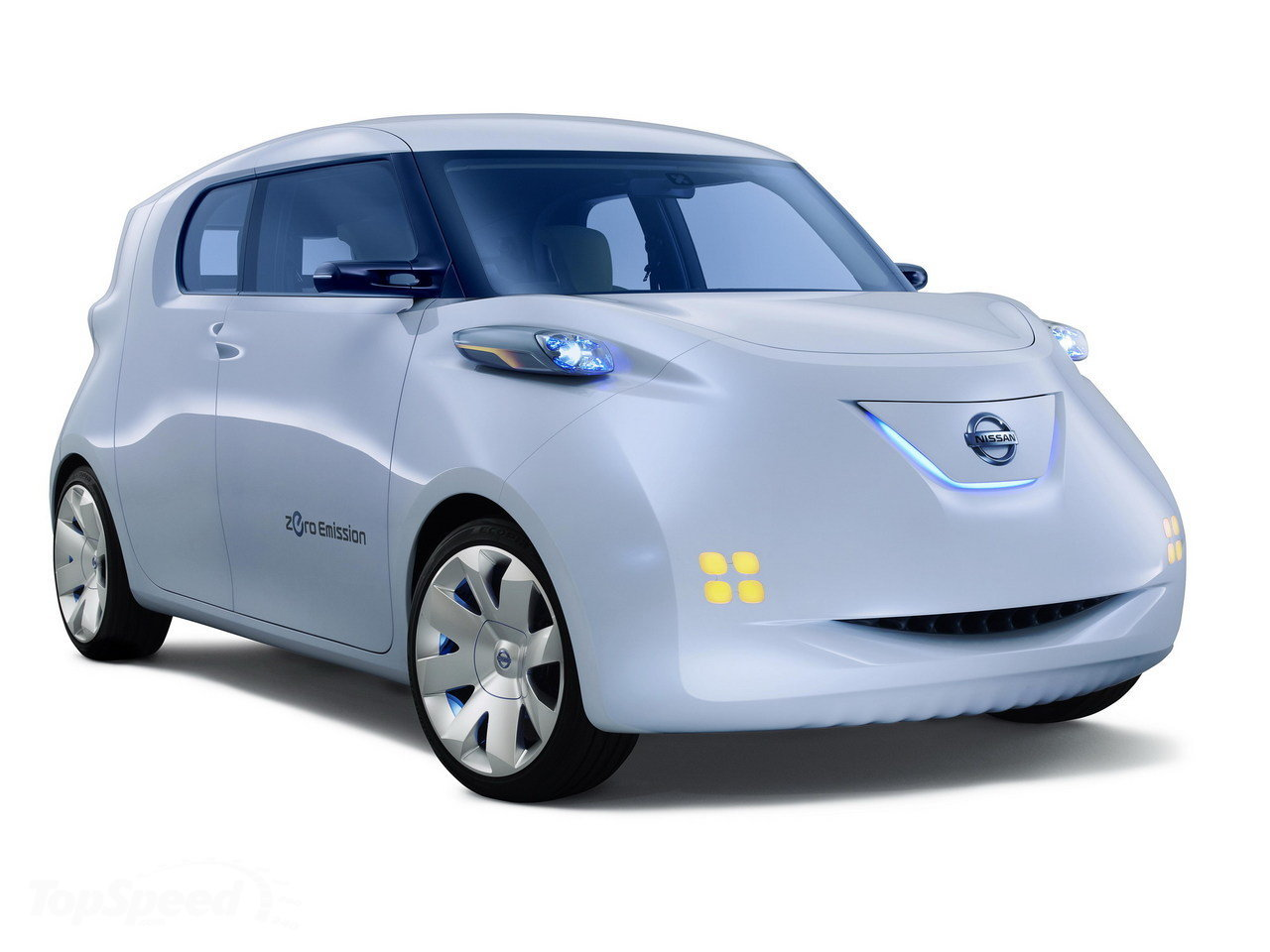 official photo 2011 nissan townpod